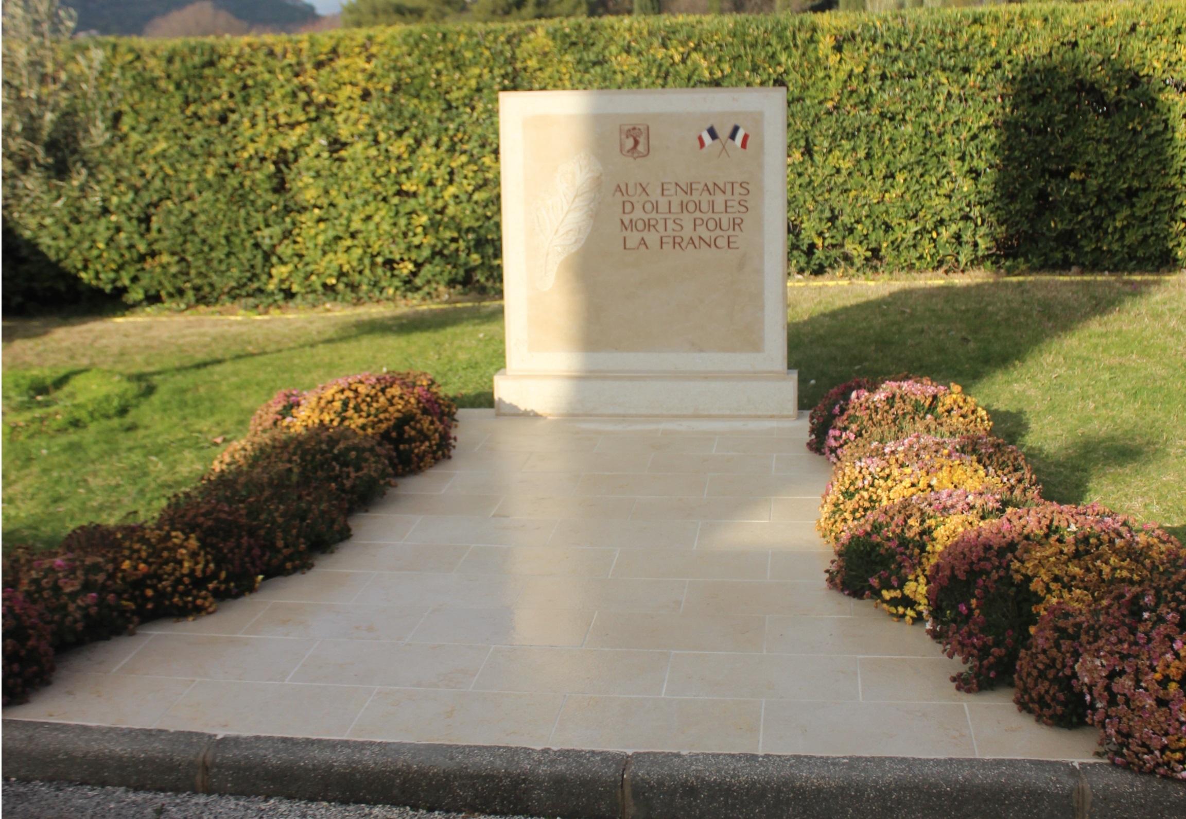pose d'un monument aux Morts